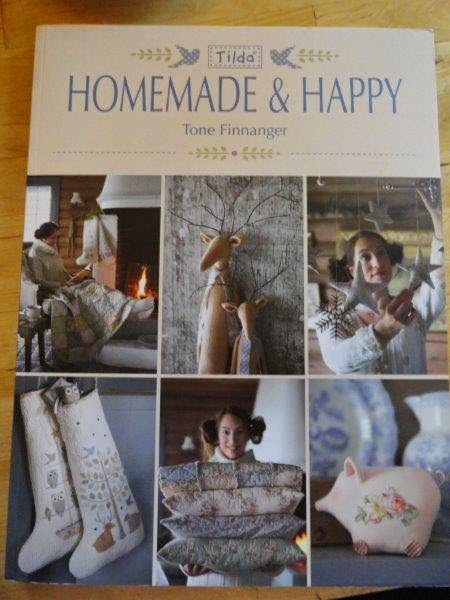 http://www.amazon.de/Tilda-Homemade-Happy-Tone-Finnanger/dp/1446305902/ref=sr_1_1?ie=UTF8&qid=1418028731&sr=8-1&keywords=homemade+and+happy+tone