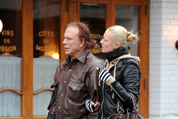 elena kuletskaya dating Wedding bells for mickey rourke, russian the knot with russian girlfriend elena kuletskaya this spring the star has been dating stunning blonde for several.