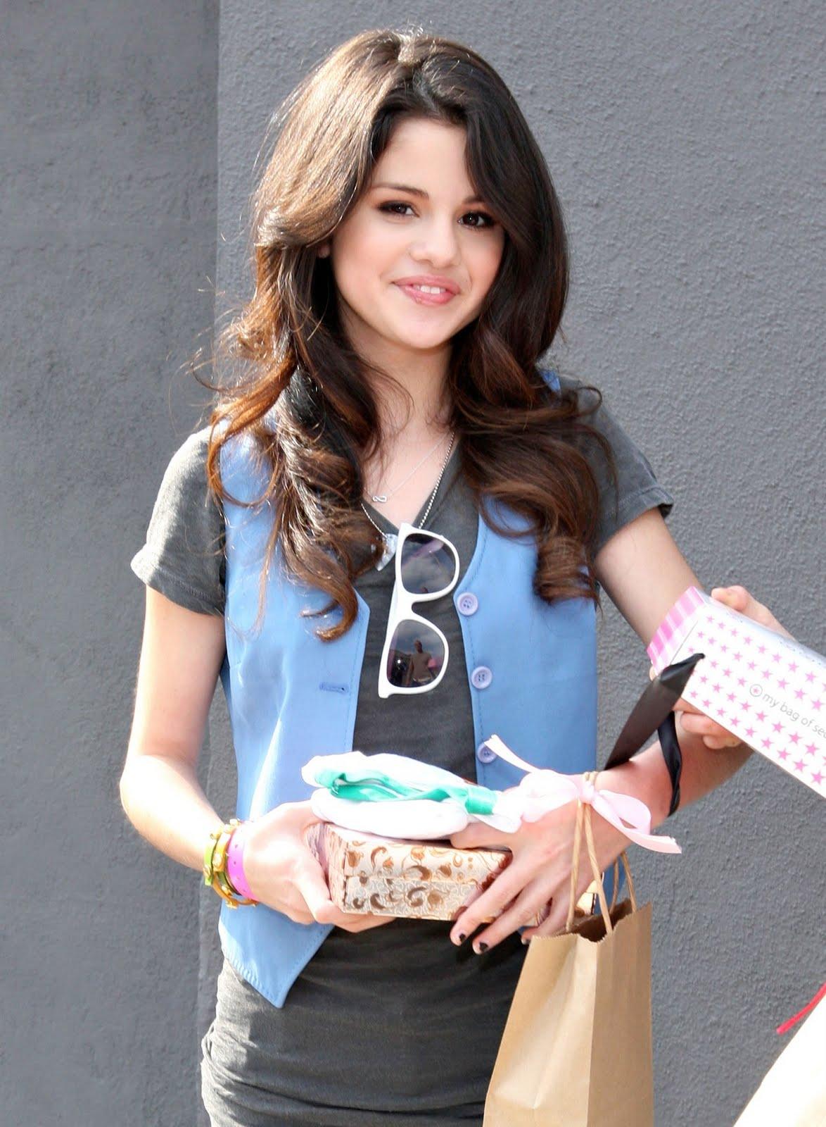 Selena gomez fantacy-4060
