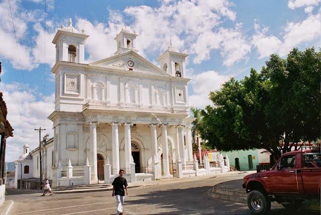 Iglesia de Santa Lucía en Suchitoto, Cuscatlán