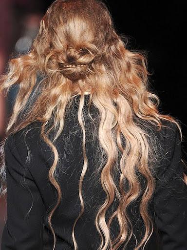 Updo - дълга коса
