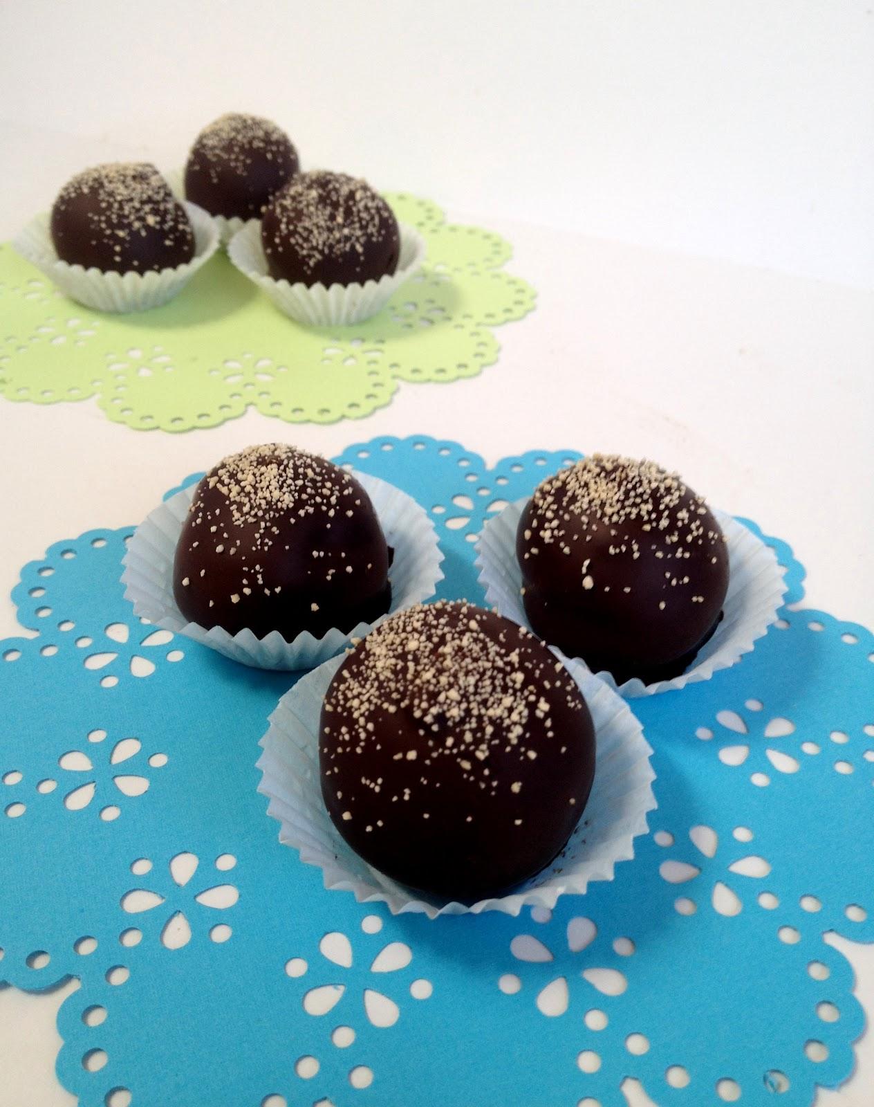 ... No. 17*: Melt-In-Your-Mouth Dark Chocolate Honey Truffles {recipe