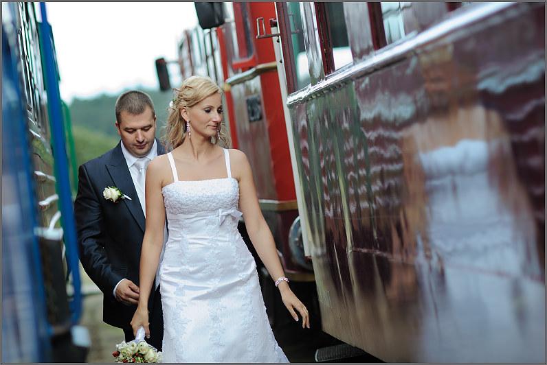 vestuvės prie traukinių anykščiuose