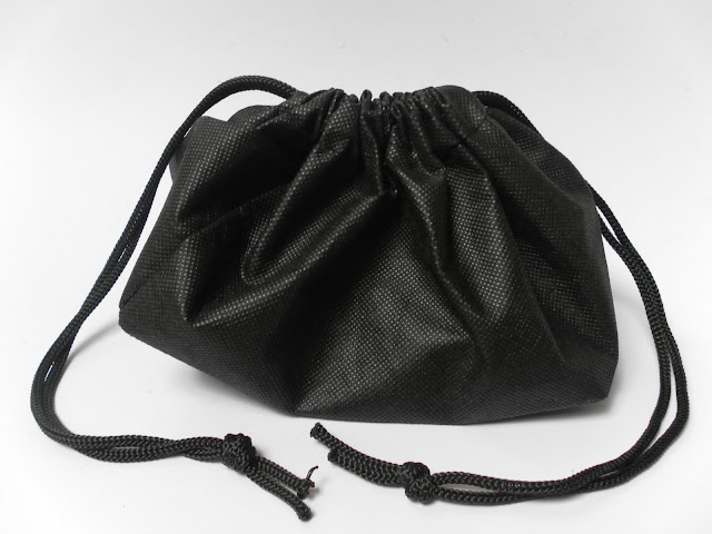 A picture of a black bag