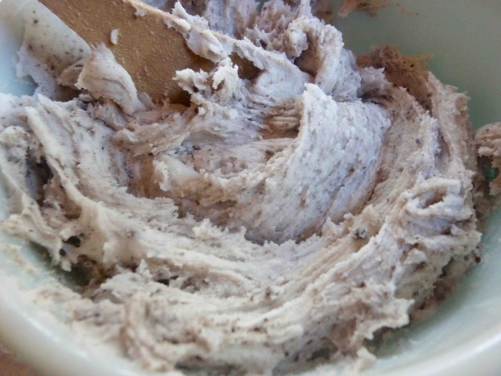 Cookies-and-Cream-Frosting.jpeg