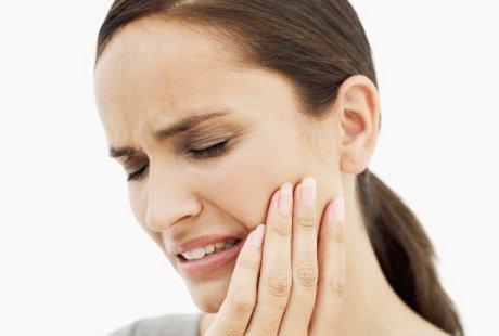 10 Penyebab Gigi Sensitif
