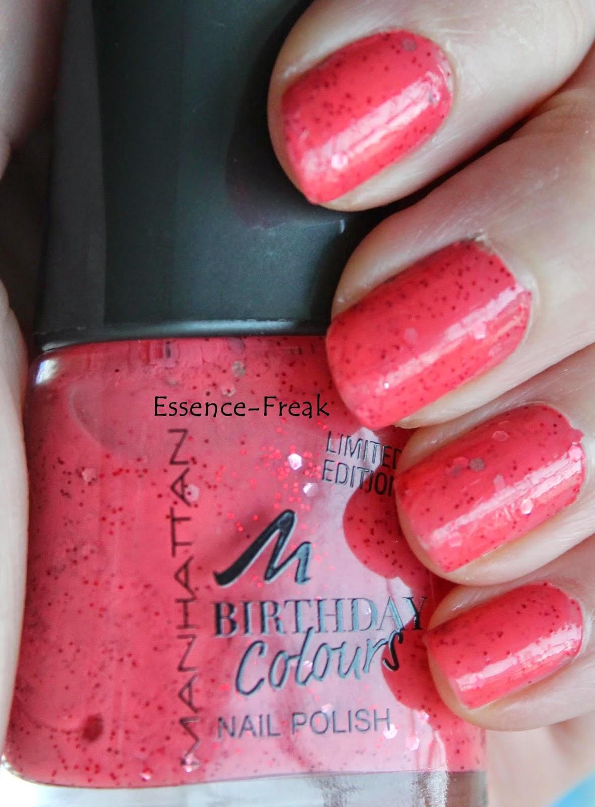 Der Lack Deckt In Zwei Schichten Und Ist Eine Wunderbare Erdbeerfarbe Also Ein Pink Rot Mit Glitzerpartikeln Einfach Wunderschon