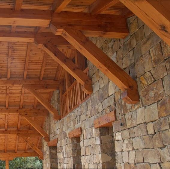 Fachadas de piedra fachada rustica de piedra y madera - Fachadas rusticas de piedra ...