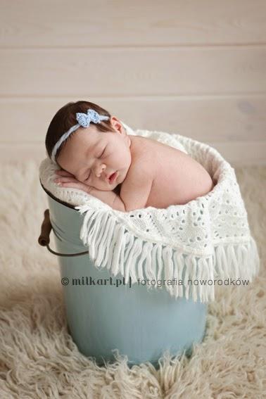 sesja fotograficzna niemowlęcia,  profesjonalne zdjęcia rodzinne, fotograf dziecięcy, fotografia rodzinna, sesje zdjęciowe na prezent