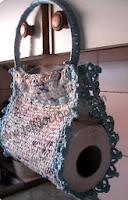 http://www.tejidocrochet.com/2013/06/19/porta-rollo-para-papel-de-cocina-en-tejido-crochet/?utm_source=feedburner&utm_medium=feed&utm_campaign=Feed%3A+TejidoCrochet+%28TEJIDO+CROCHET%29