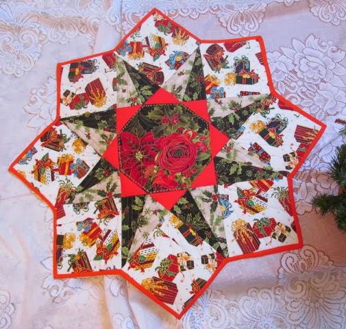 Новогодние поделки из кусочков ткани