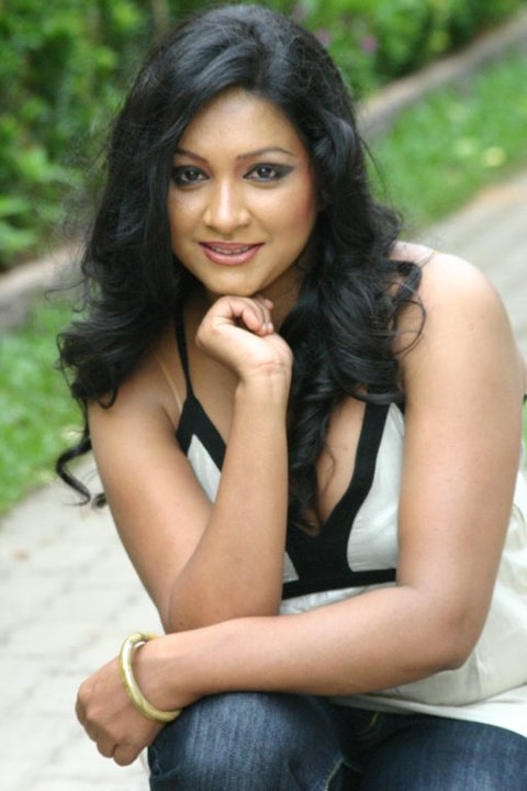 Srilanakn Actress photo