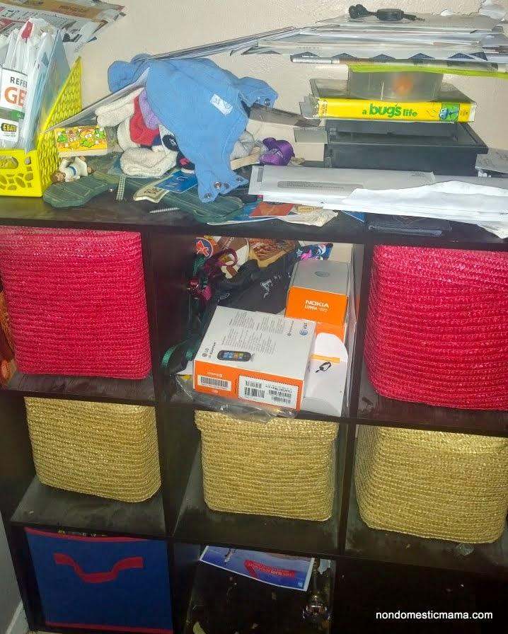 {Day 2} Entryway Shelf - 31 Days of De-Hoarding