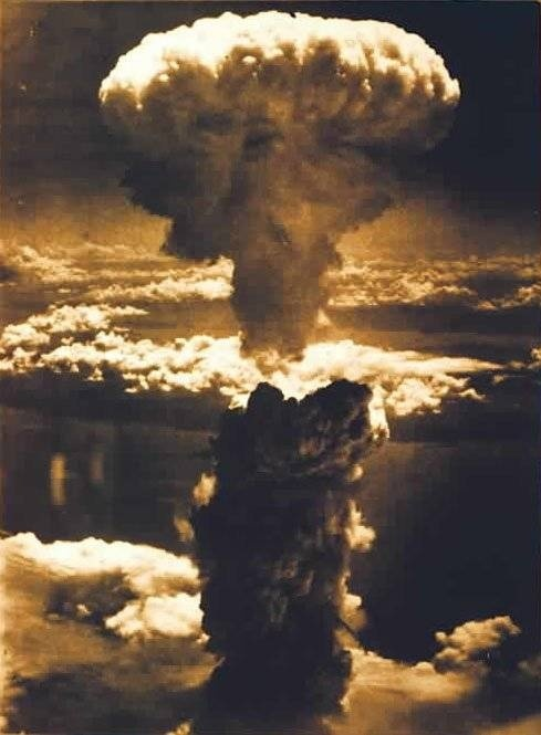 Hiroshima 1945 worldwartwo.filminspector.com