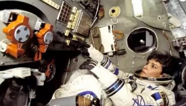Τι εννοούσε Γαλλίδα αστροναύτης όταν έλεγε: «Η γη πρέπει να προειδοποιηθεί»; (βίντεο)