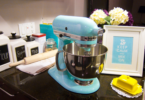 { Kitchenaid Mixer In Ice Blue }