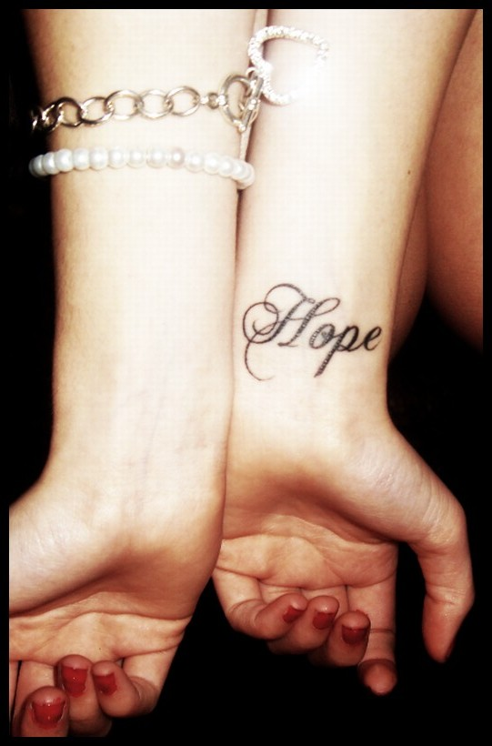 Tattoo quotes hope quotesgram - Tatouage peace and love ...