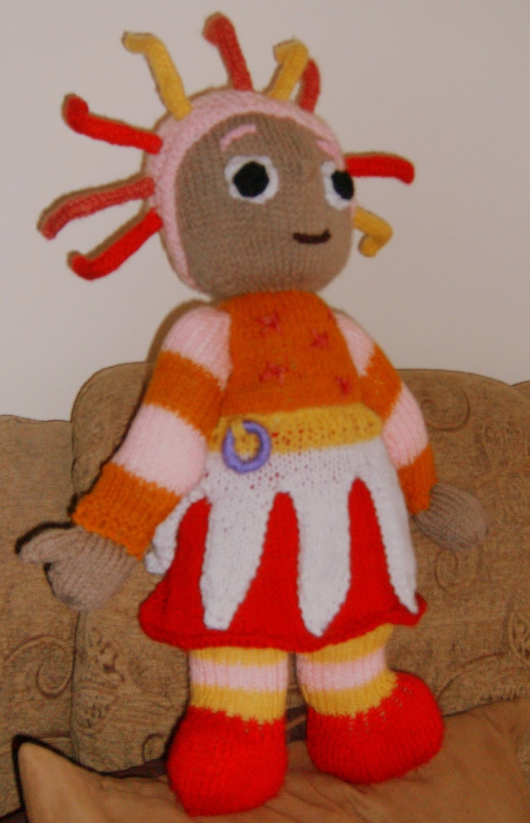 Knitting Pattern For Upsy Daisy : Knitting Addict: IN THE NIGHT GARDEN...UPSY-DA?SY