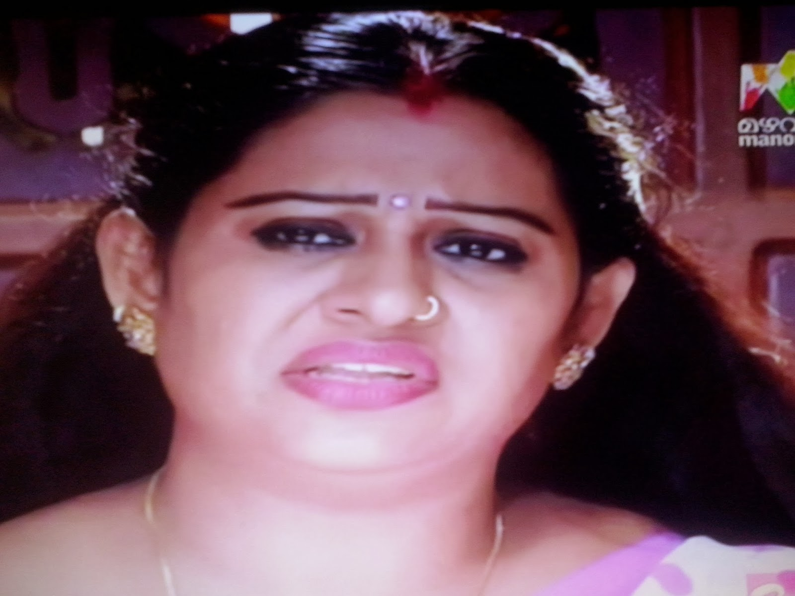 Mazhavil Manoram Serial Amala Stills Actress Beena Antony S