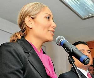 Minerva Bautista resiste 350 disparos de los narcos gracias al blindeje del Jeep