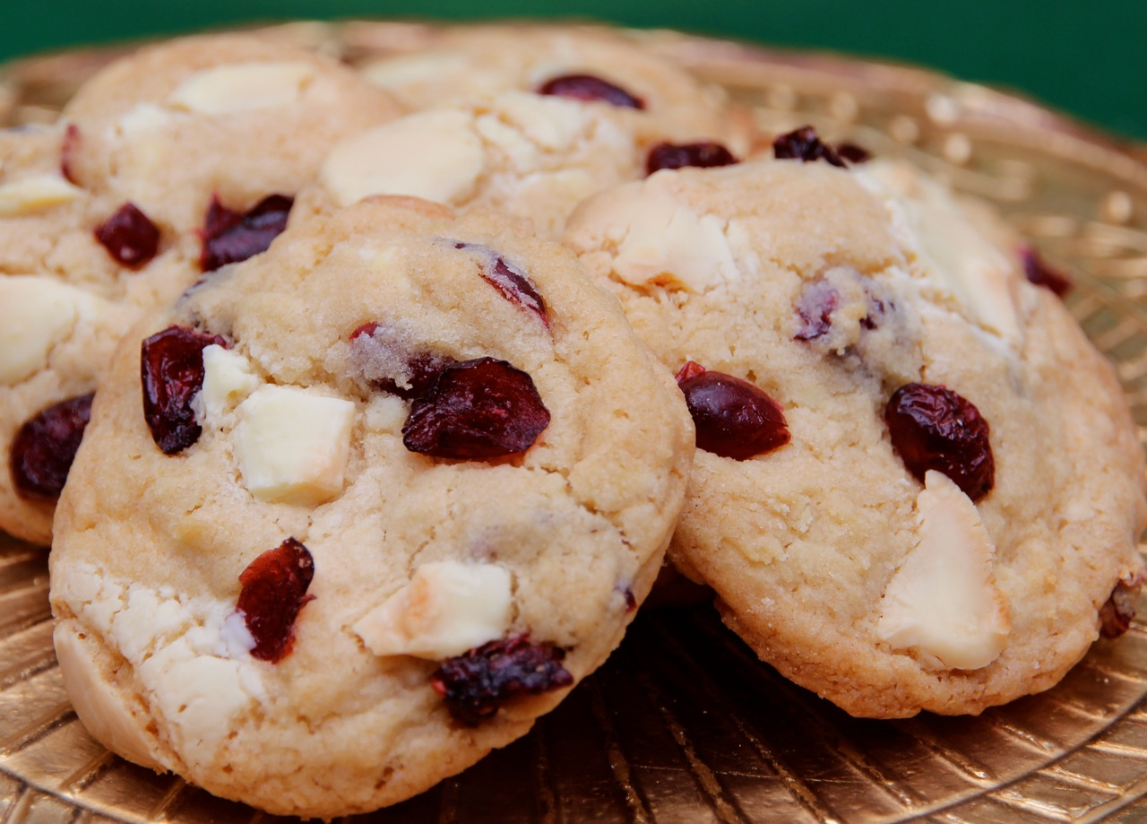 Dede Wilson: Cranberry White Chocolate Chunk Cookies