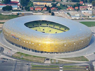 http://4.bp.blogspot.com/-XrdYcmuAKQw/T8ZpEU0sntI/AAAAAAAACCs/QtmA_u1tSMg/s400/Gdansk+Arena+Stadium+in+Poland+(Euro+2012).jpg
