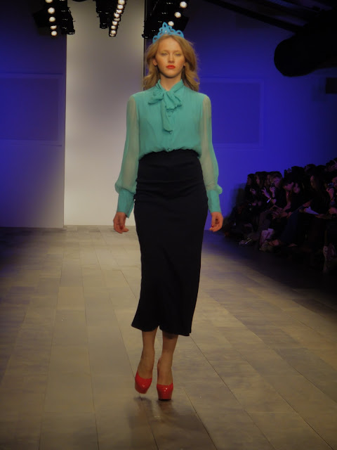 London Fashion Week, London Fashion Weekend, London, Fashion, color blocking, spring, summer, orange, pink, blue, high-waist, shift dress, pumps