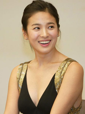 Beautiful asian artists song hye kyo for Beauty full house
