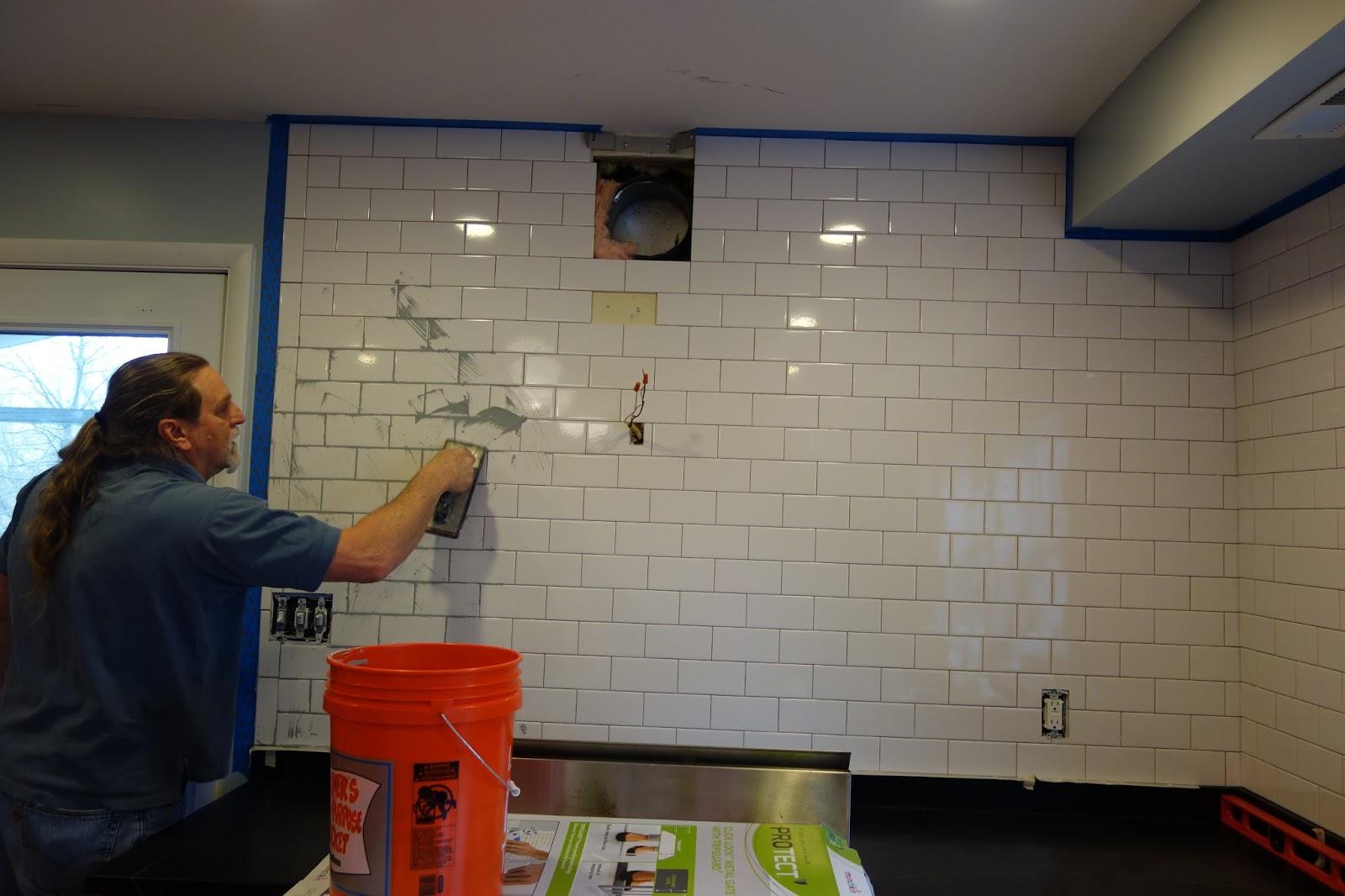 rustyfarmhouse: DIY - Kitchen Backsplash Complete!