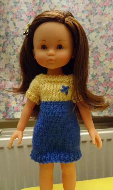How Many Dolls?: A dress for Chloe