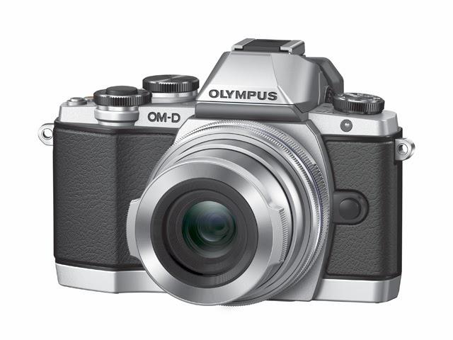 Fotografia della Olympus OM-D E-M10 nel colore argento