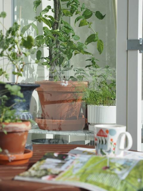 parveke kekkilä vihervitriini parvekesetti parvekepöytä parveketuoli