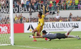 foto terbaru kemenangan Barito putera atas Mitra Kukar