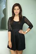 Rashi Kanna latest glam pics-thumbnail-11