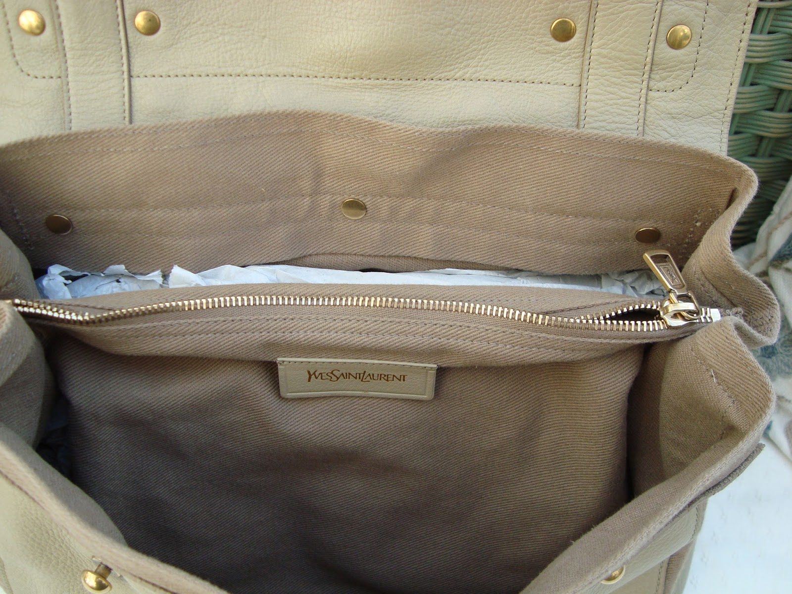 LSK COLLECTION FOR SALE: YSL MUSE TWO BEIGE ECRU LEATHER BAG