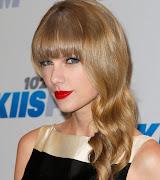 Pelo Ondulado con Flequillo Lacio - Tendencias 2013 cortes de pelo de moda taylor