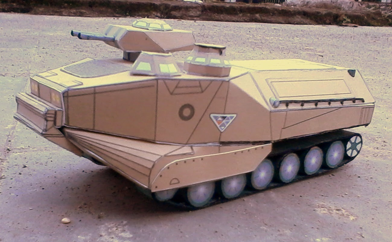 AAV (Assault Amphibious Vehicle) Papercraft Model