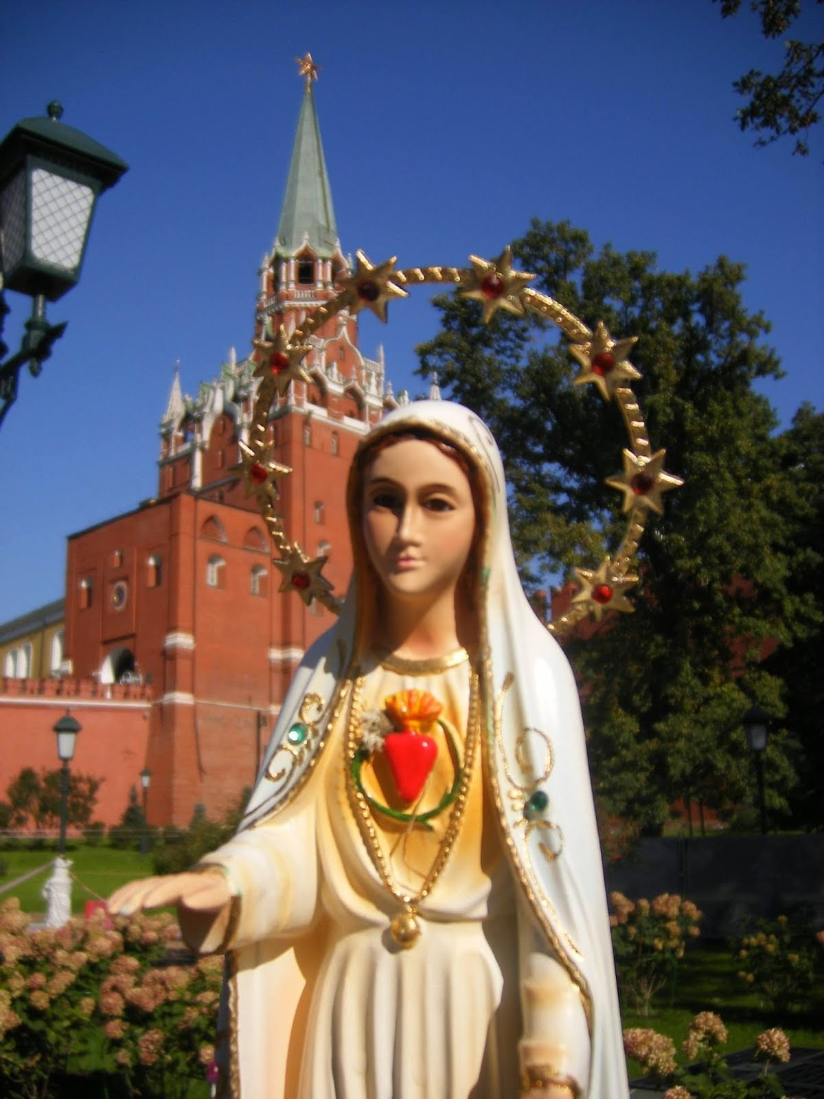 The Holy Virgin Mary and the Kremlin Russia December 2014