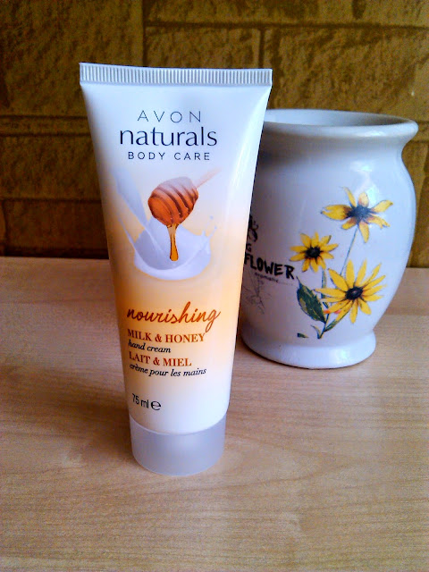 Avon Naturals, Krem do rąk mleko i miód