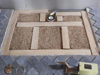 Er groeit een t huis op onze grond hoe installeer je een for Hoe tegels plaatsen badkamer