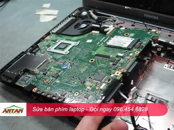 Sửa bàn phím laptop bị chập không nhận bàn phím