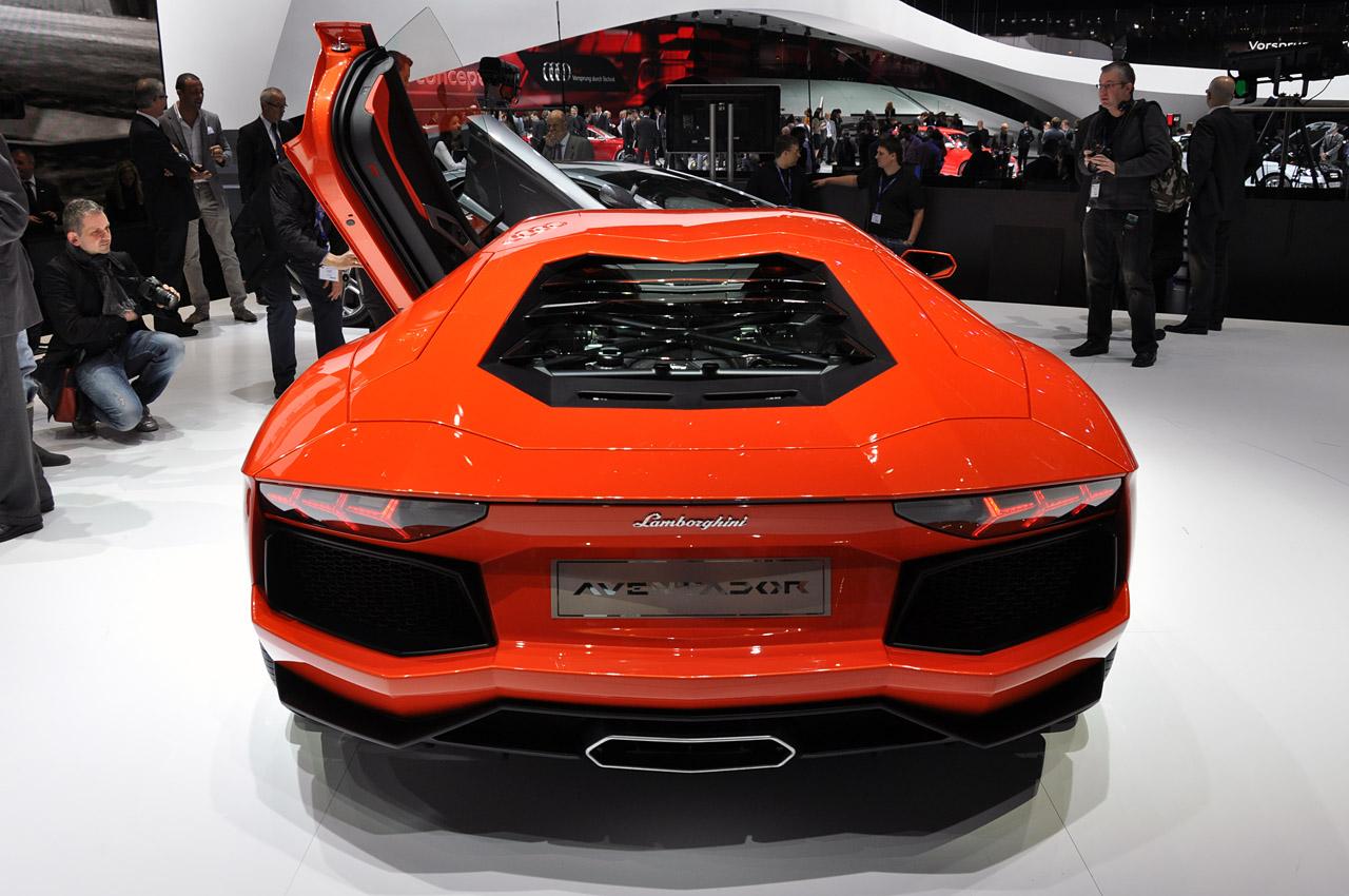 2012 Lamborghini Aventador Lp700 4 Review Price Specs Interior Exterior Engine Autodraaak