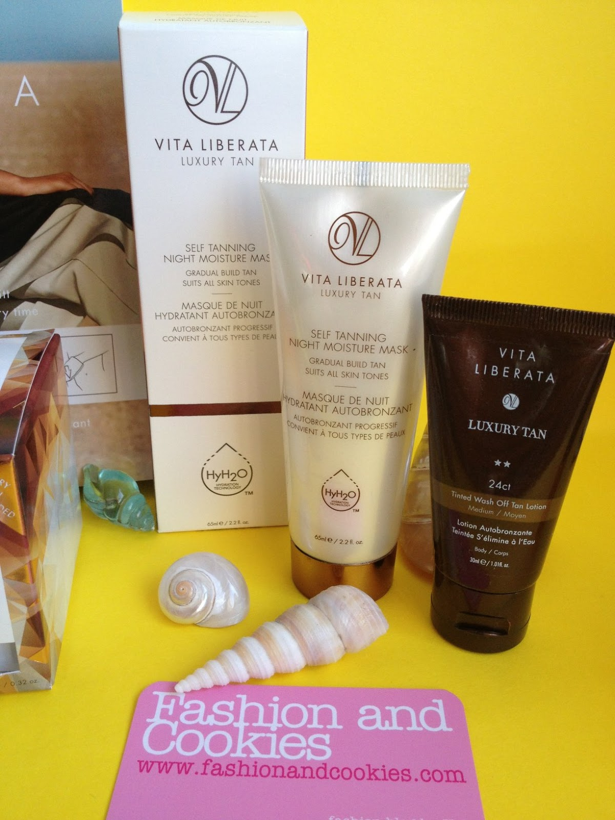 How to get a tan quickly and safely with Vita Liberata on Fashion and Cookies fashion and Beauty blog: Self Tanning Night Moisture Mask