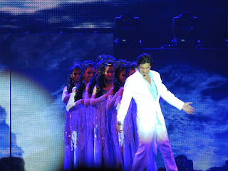 Katrina & Shahrukh performance still from Temptation Reloaded Concert 2013