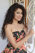 Soumya Sukumar New photo shoot-thumbnail-10
