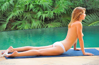 Free Sexy Picture - rs-522-737915.jpg