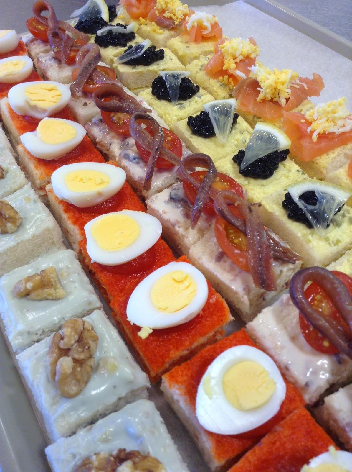Gastronom a pr ctica surtido de canap s variados de navidad for Canape para navidad