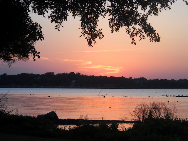 The setting sun at White Rock Lake, Dallas, TX
