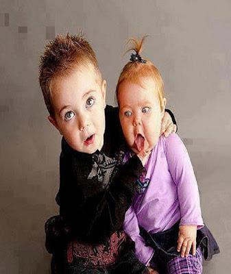Réaction de jalousie d'un enfant envers sa soeur bébé