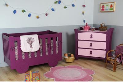 habitación bebé mueble morado